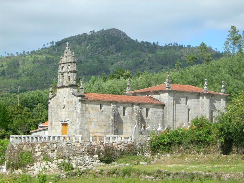 La imagen tiene un atributo ALT vacío; su nombre de archivo es igrexa-de-san-martino-de-arauxo-requeixo.jpg